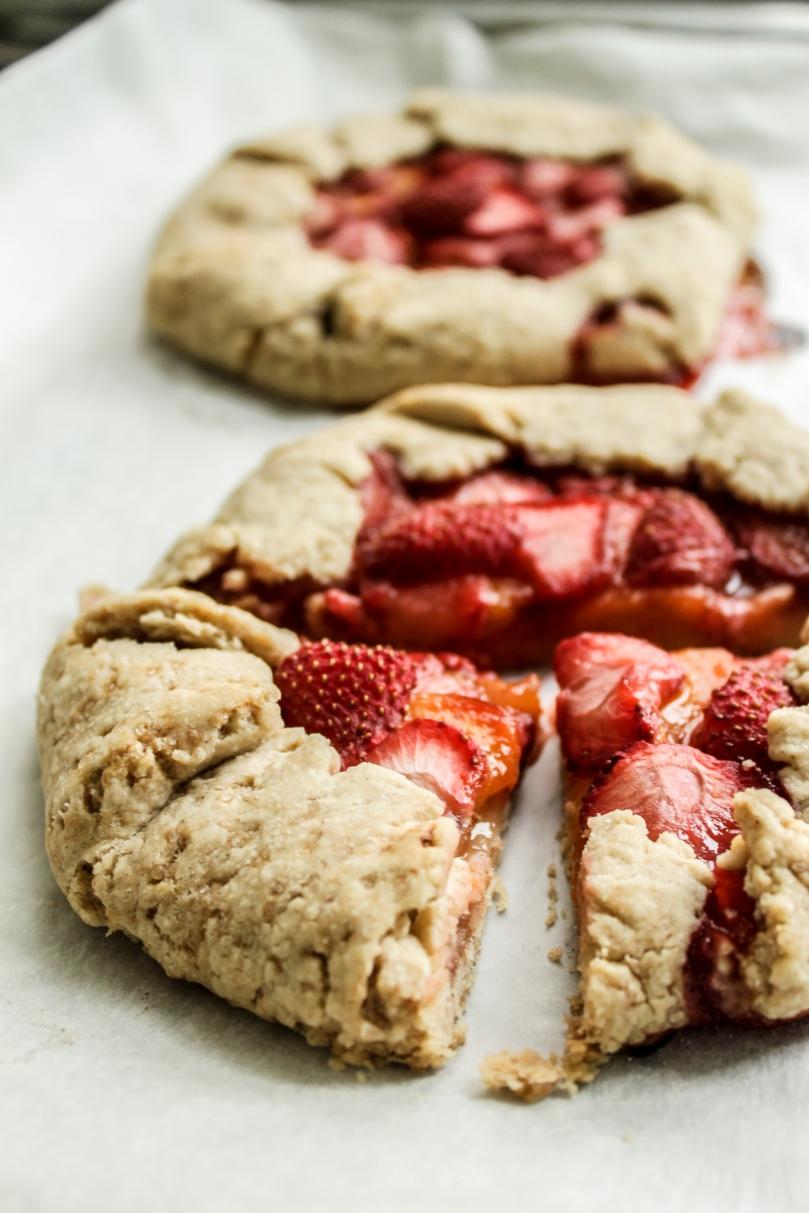 Erdbeer-Nektarinen-Galettes